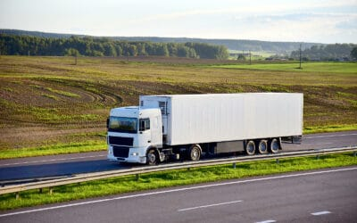 How to effectively manage live cargo transportation information from loading through to delivery